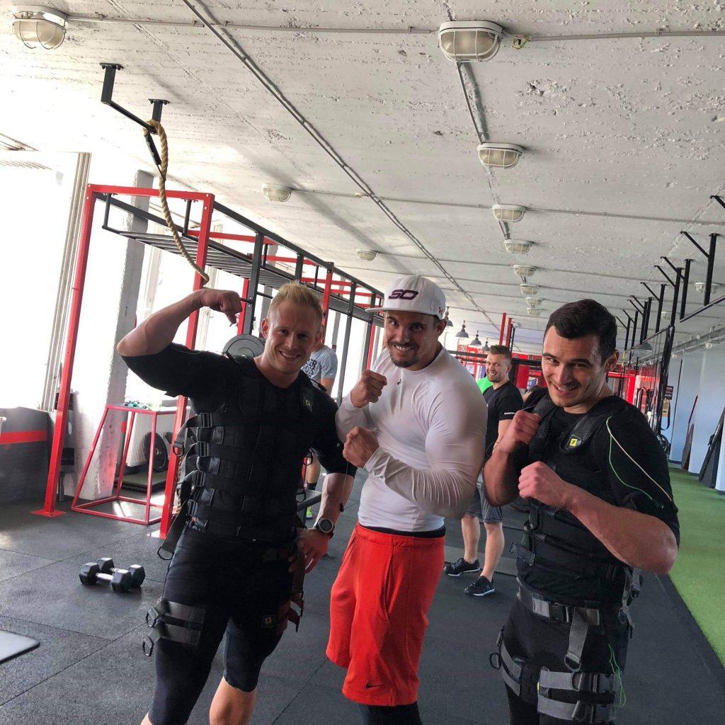 Julian Kostov - Kiss The Trainer